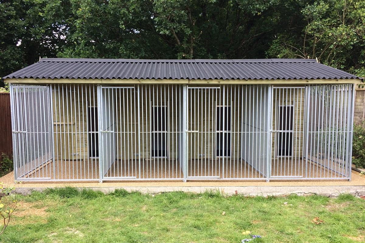 Dog Kennel and Run and Animal Housing   Garden & Animal Structures
